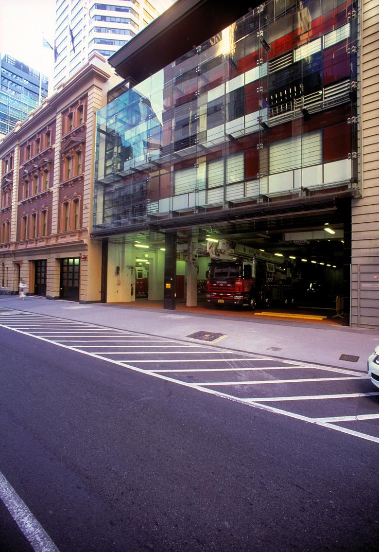 Iconic architecture, public spaces, Australia